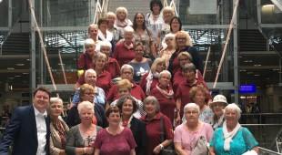 Landtagsabgeordneter Marius Weiß lädt 40 Landfrauen aus dem Untertaunus zum Besuch des Frankfurter Flughafens ein